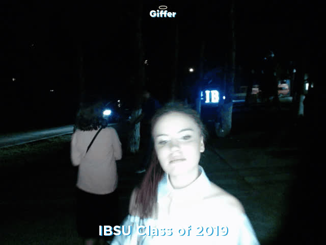 1090812