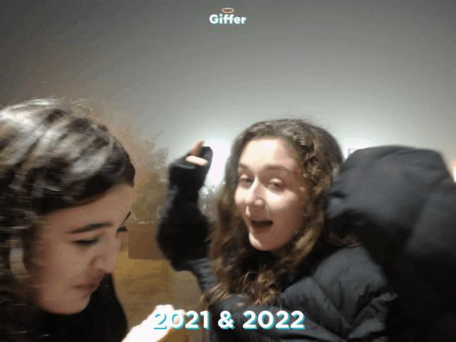 1235772