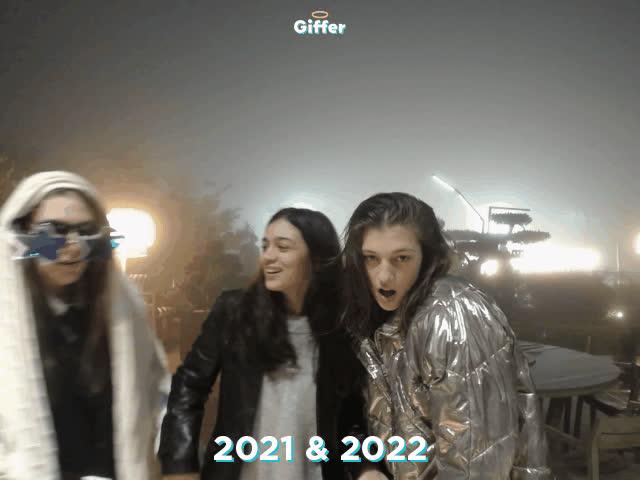 1235747