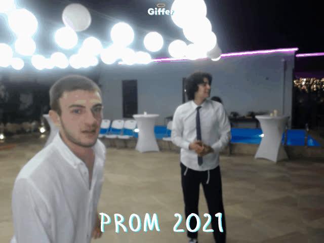 1402087
